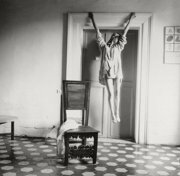 Fotografia Francesca Woodman, Untitled. On Being An Angel, FOAM Amsterdã