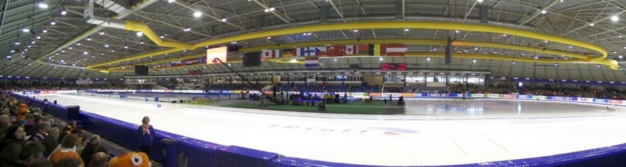 Pista de patinação de 400m do estádio Thialf, em Heereveen
