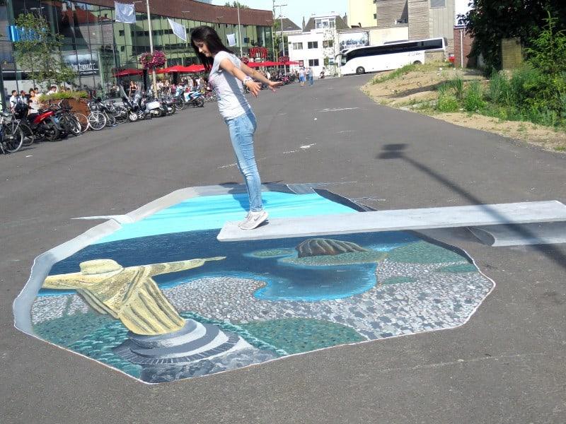 Festival de Pintura em 3D (World Street Painting) em Arnhem, na Holanda. Pintura do Rio de Janeiro em 3D.