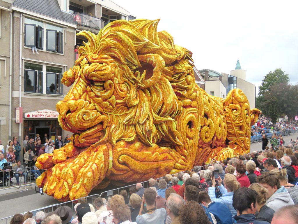 Carro de abertura da Parada de Flores em Zundert 2016