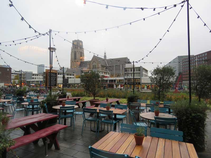 Área externa do Jamie's Italian em Rotterdam