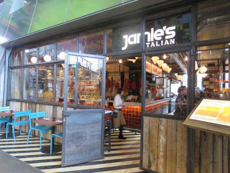 Fachada do Jamie's Italian em Rotterdam