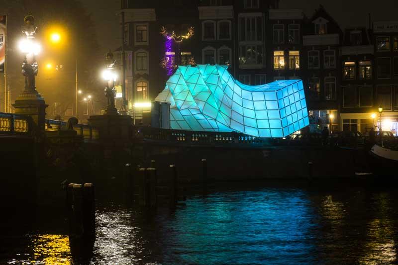 Amsterdam Light Festival - centro de informações no Blauwbrug
