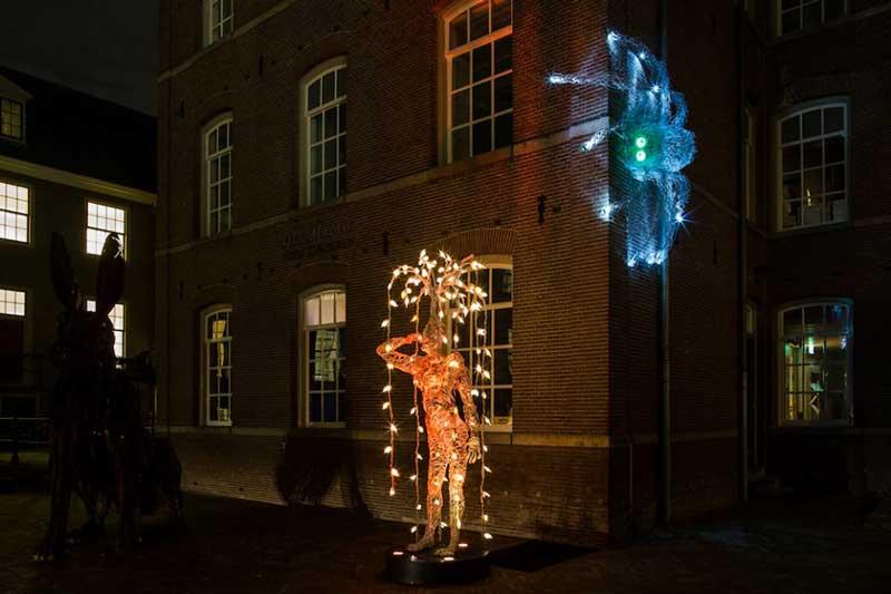 Mens - Human, obra do brasileiro Edson Bruno Filho no Amsterdam Light Festival