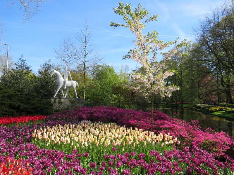 Keukenhof, o maior parque de flores e tulipas do mundo fica na Holanda