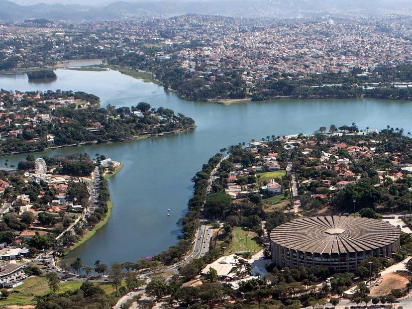 Vista aérea da Pampulha e estádio do mineirão em Belo Horizonte