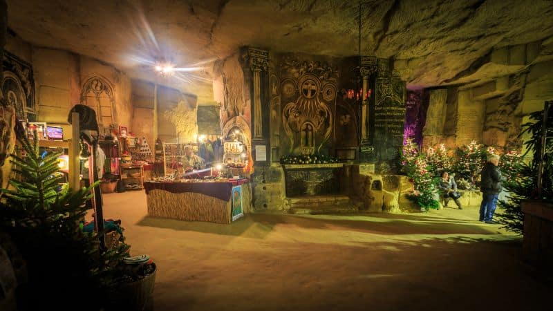 Mercado de Natal dentro nas Cavernas de Valkenburg, no sul da Holanda