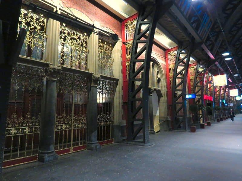 Entrada da Sala de Espera da Família Real na Plataforma da estação de trem Amsterdam Centraal