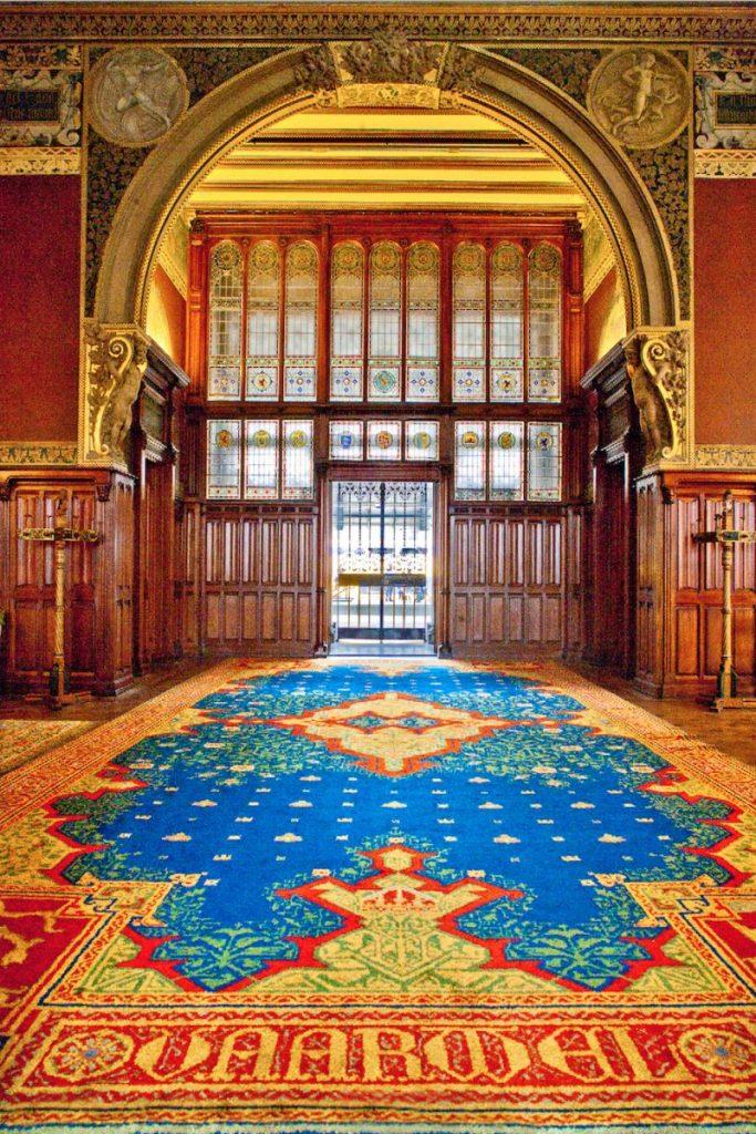 Tapete e Vitrais da Sala de Espera da Família Real, uma ótima dica de passeio em Amsterdam