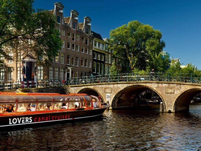 Quanto custa o valor do passeio de Barco pelo Canal de Amsterdam na Holanda