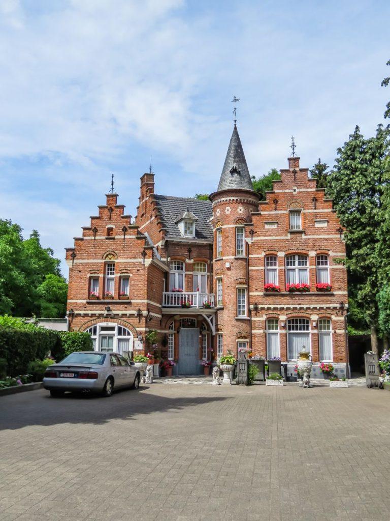 't Kasteeltje , um pequeno castelo em Baarle-Hertog, na Bélgica, próximo a Baarle-Nassau, na Holanda