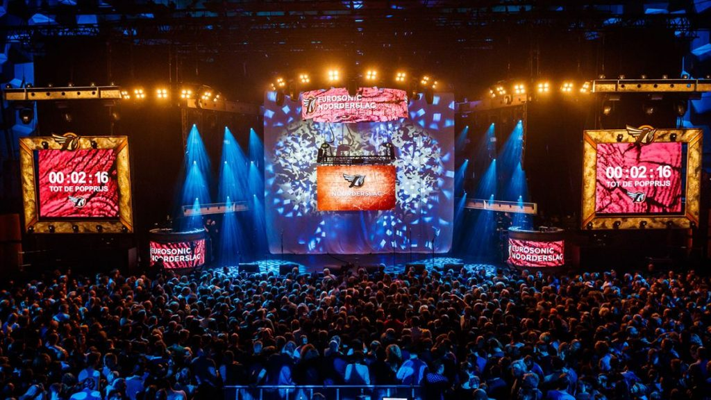 Martin Garrix se apresenta no Eurosonic Noorderslag, festival de música em Groningen, Norte da Holanda